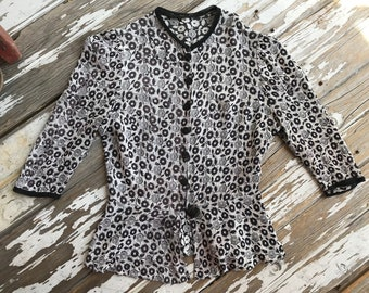 1940s textured floral peplum blouse
