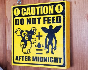 Do Not Feed After Midnight Gremlins Home & Garden Sign | Nerdy House Decor, Geeky Wall Hanging, Nerd Signs, Gremlin Movie Geek Pet Gift