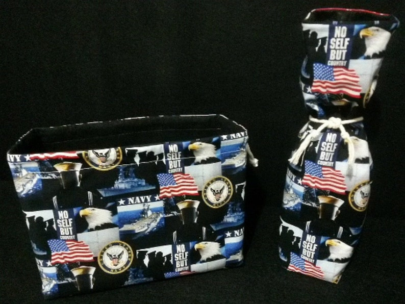 interior lining Soft. Center divide to protect shoes Navy shoe bag w wine bag Flight attendant  Flight crew Use for home or travel.