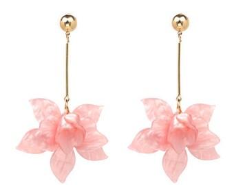Floral Drop Earrings, Pink Floral Earrings, Pink Flower Earrings, Blush Floral Earrings, Dangle Earrings, Drop Earrings, Party Earrings