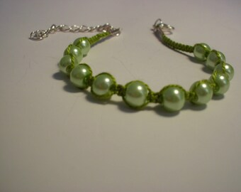 Light green cotton beaded macrame bracelet green pearls