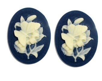 Set of 10 cabochons cameos in resin, oval, butterflies on flowers