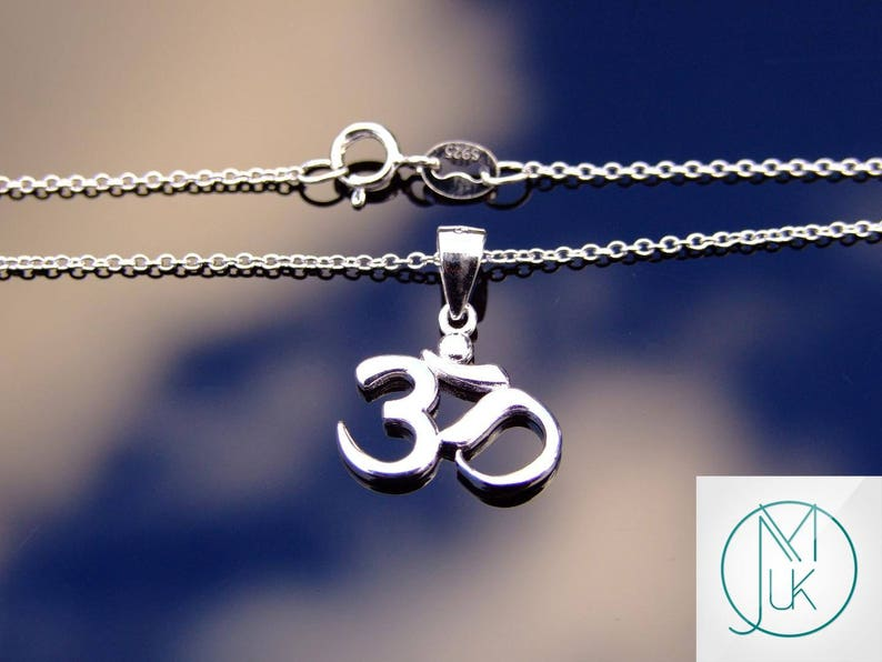 925 Sterling Silver Om Hindu Pendant Luck Karma 18/'/' Necklace With Pouch FREE UK SHIPPING