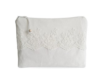 Clutch, canvas white with lace No. 3