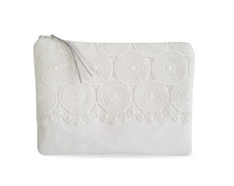 Clutch, canvas white with white lace No. 1