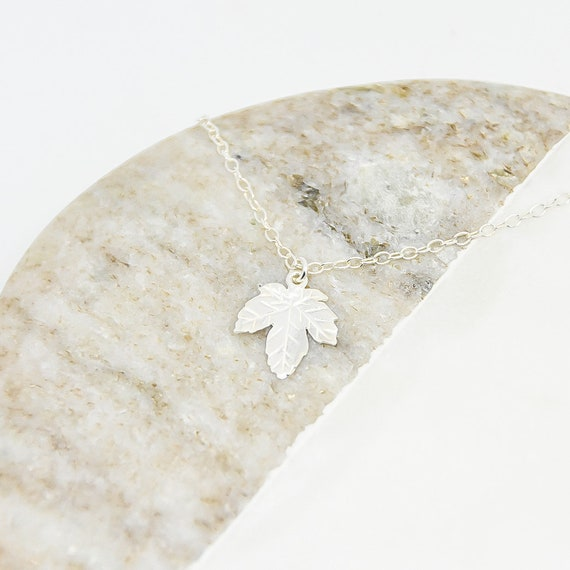 Sterling Silver Maple Leaf Necklace - Silver Leaf Necklace UK, Leaf Necklace Sterling Silver, Silver Leaf Pendant, Maple leaf Necklace Charm