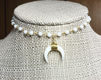 ARIZONA Beaded Choker WHITE Double HORN Charm Pendant * Crescent * Short Necklace length * White Agate Chalcedony * Minimal * Simple