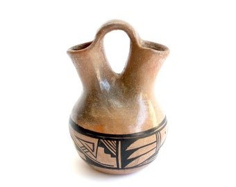 Navajo Clay Pot, Jerry Whitethorne Pottery, Native American Art