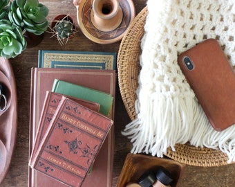 Handbags & Scarves