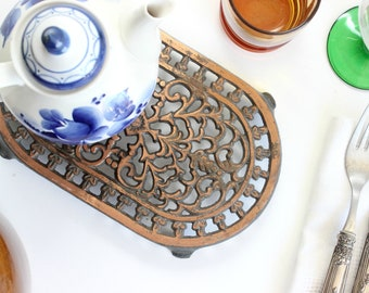 Vintage Iron Trivet, Hot Plate, Kitchen Decor