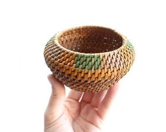 Small Woven Basket, Vintage Wicker Bowl
