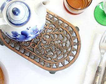 Vintage Iron Trivet, Hot Plate, Kitchen Decor
