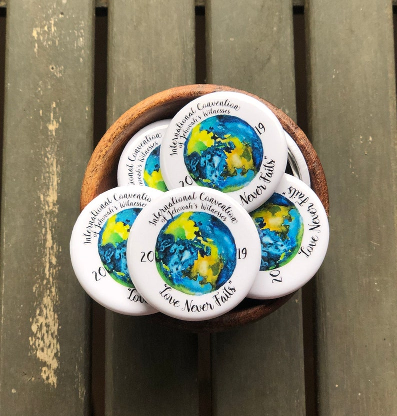 JW 2019 International Convention Button Pin - 1 25 inch , Love Never Fails,  Souvenir, Keepsake, Jehovah's Witnesses, JW Gift, jw pins