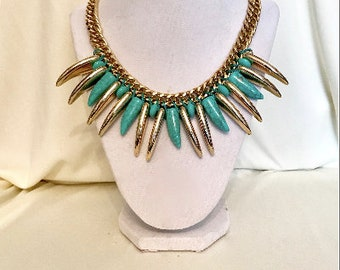 90s Unique Gold and Turquoise Statement Necklace   VG2886