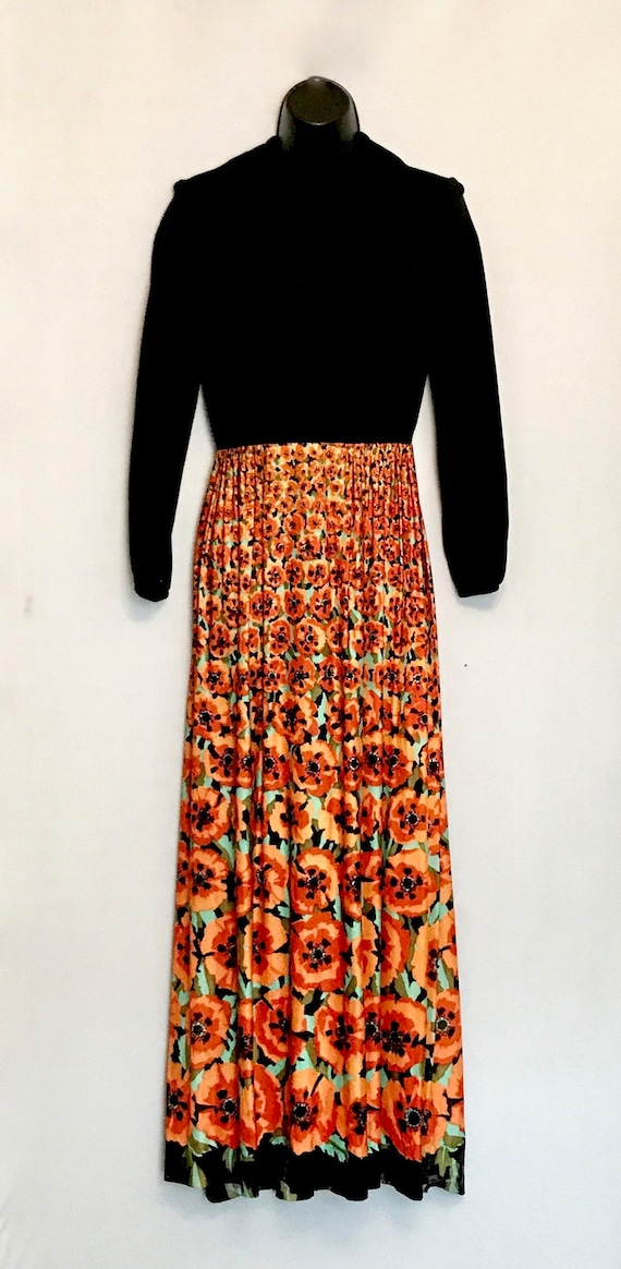 60s Ladies Black with Orange Poppies Hostess Maxi