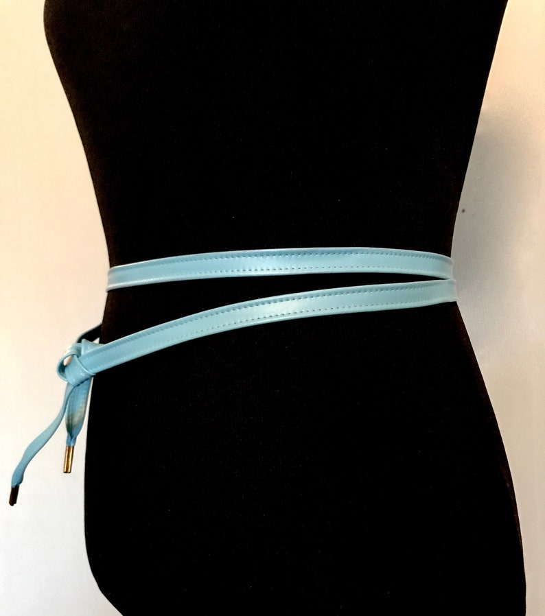 Vintag 70s Ocean Blue Wrap Belt    VG3279