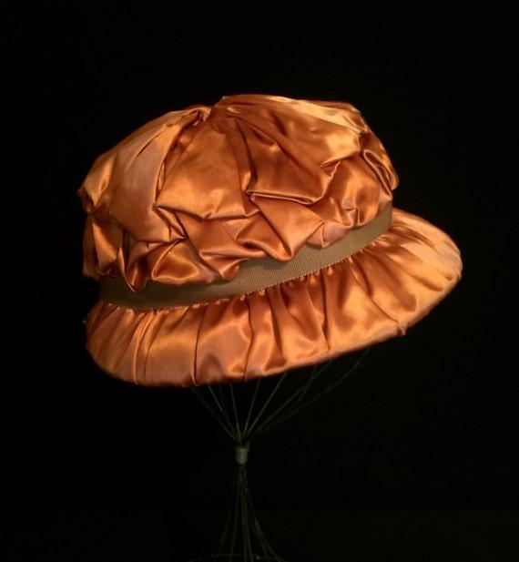 30's Copper Brown Satin Ribbon Hat    VG2386
