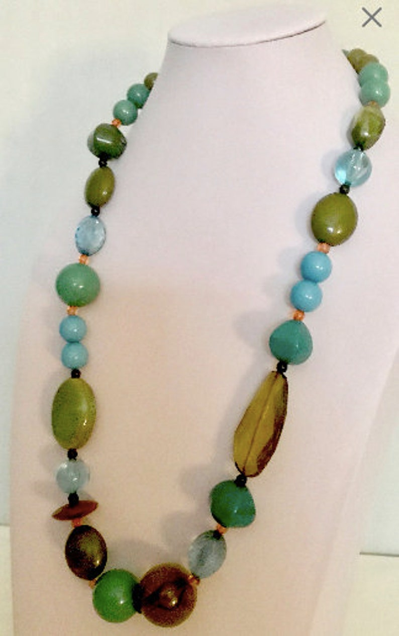 Vintage Chunky Turquoise Bead Necklace    VG2999