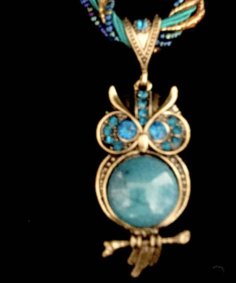 80s Turquoise Owl Pendant with Twisted Micro Bead Choker    VG2842