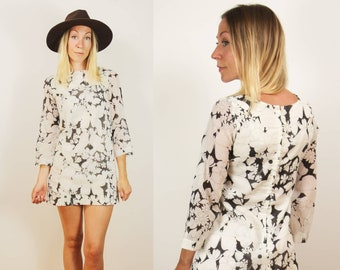 Vintage 1960s    60s White   Black Floral Stencil Mini Dress    White  Cotton a7310e36623e