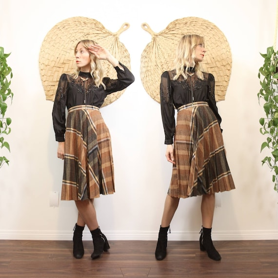 1970s Brown & Black Plaid Pleated Circle Skirt