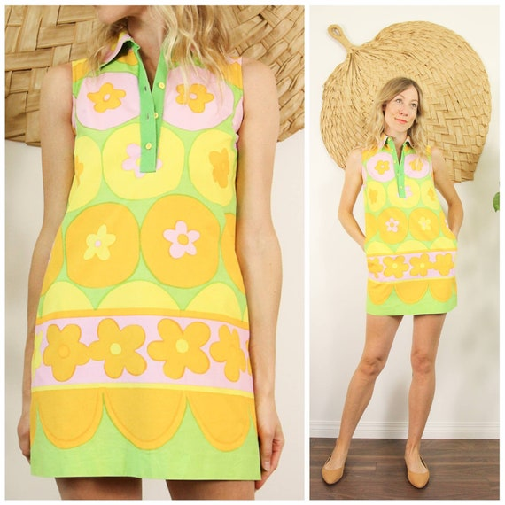 Adorable 1960s Cartoon Flower Power, Mod Mini Dres