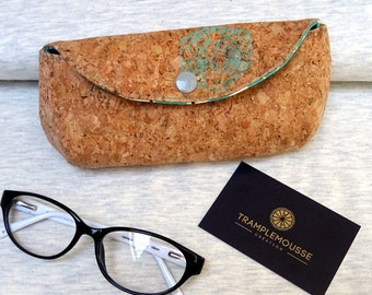 Glasses case in Cork and dice pattern