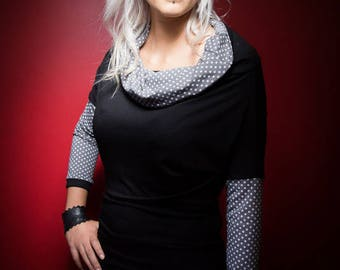 T-shirt loose-fitting cowl neck black and taupe polka dots with ribbing