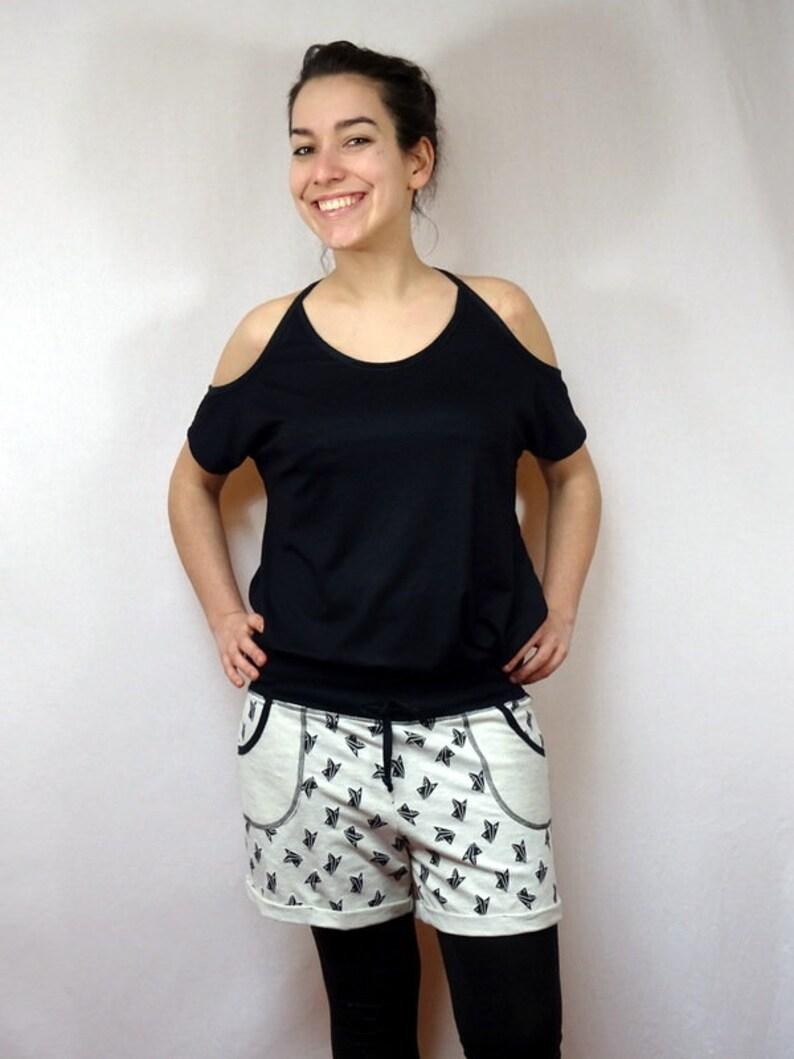 origami airplane patterned beige sweat shorts  short woman pattern origami streetwear