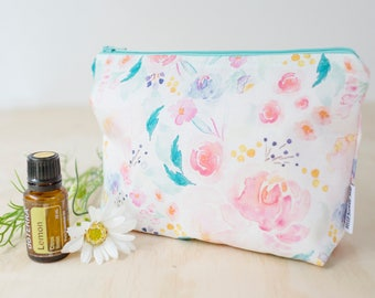 Essential oil bag. Floral oil pouch. Oil storage. Oil travel case. Essential oil gift. Zipper pouch bag. Mother's Day gift. Floral pouch.