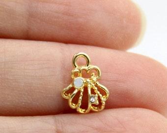 Sea Shell Charm, Tiny Sea Shell Charm, Gold Plated Sea Shell Charm, Rhinestone Sea Shell Charm, Sea Shell Pendant, Ocean Charm