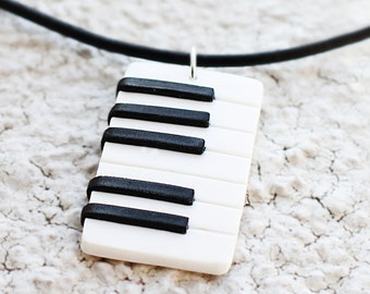 MUSICAL PIANO KEYBOARD Music Notes Glass Tile Pendant Necklace