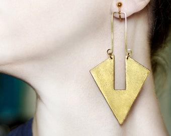 Long earrings in gold Clip on earrings Statement jewelry Triangle dangles Arrow jewelry Bold non pierced earrings Screw back drop earrings