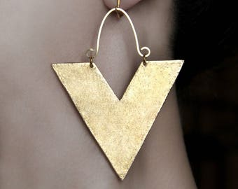 Big abstract earrings Clip on dangles Statement jewelry African screw back earring Gold large Dangling jewelry Triangle earrings Modern gift
