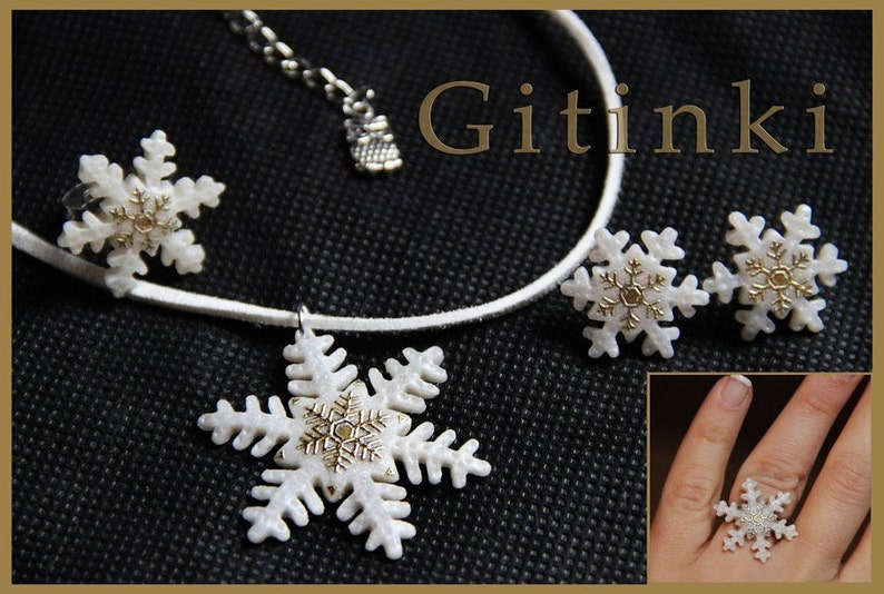 Snowflake necklace Winter jewelry Christmas gift For sister jewelry gift Body jewelry White necklace Christmas jewelry Gift for women gifts