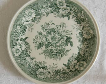 "Royal Sphinx Maastricht Petrus Regout) Balmoral pattern 8 3/8"" plate (green and white) - vintage Dutch plate"