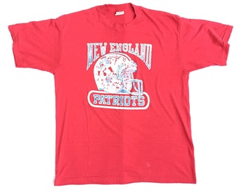 90s Vintage Patriots T-Shirt XL   Vintage Patriots Vintage T-Shirt Old Logo  Thin Distressed Vintage New England Patriots T-Shirt XL c3e041c84