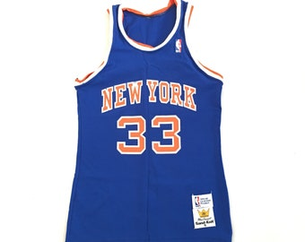 b32387c8306 Vintage New York Knicks Patrick Ewing Jersey   McGregor Sand Knit  Basketball Jersey New York Knicks Sz Small