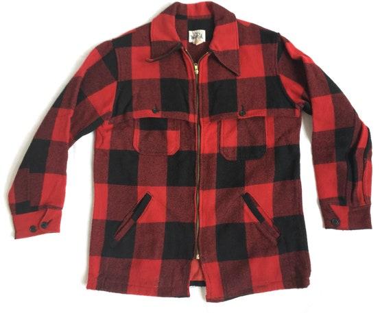 db1e48e90b61e Woolrich Buffalo Plaid Hunting Coat Size Large / Vintage | Etsy