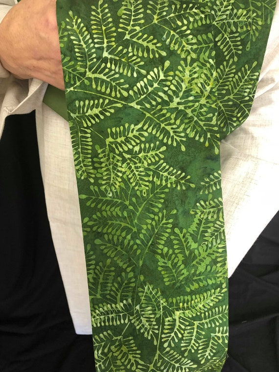 Leaf Clergy stoles, Leafy Green Stole, ordinary times, clergy stole, priest stole, green stole, G004