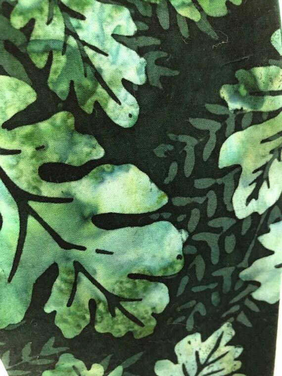 Green oak leaf stole