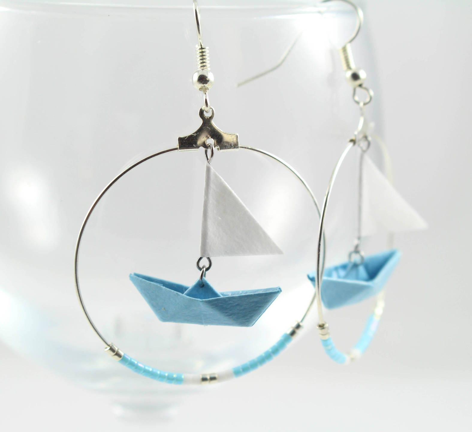 cr oles bateau voile origami bleu en papier japonais. Black Bedroom Furniture Sets. Home Design Ideas