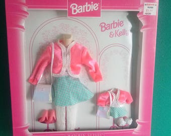 Mattel Vintage Fashion Avenue Vintage Barbie and Kelly Clothes