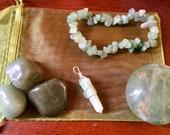 Heart chakra healing crys...