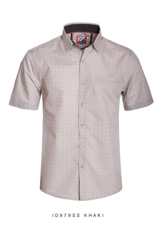 Nouvel ID Mens court manchon bouton vers le bas de la chemise kaki avec motif Orange et marron à pois devant poche ID-979