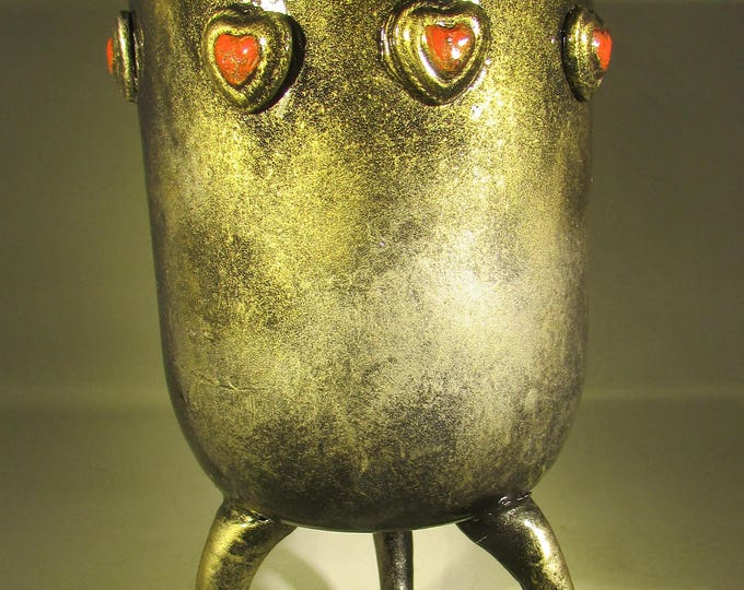 Creepy Gothic Heart Vase with Claw Feet