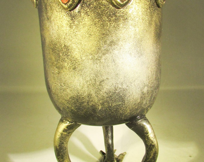 Creepy Gothic Heart Vase with Claw Feet