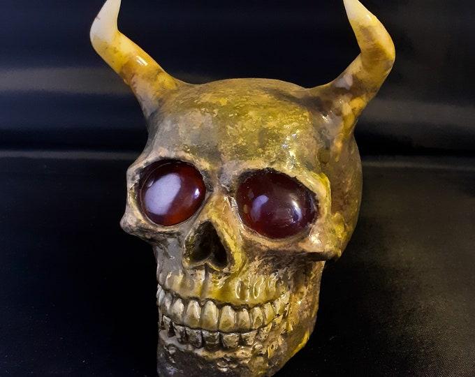 Stonecast Horned Skull