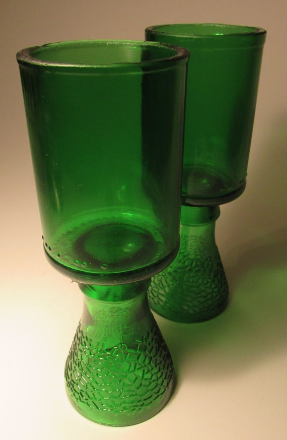 Emerald Green Pair of Small Wineglasses