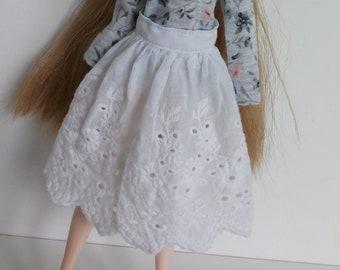 White lace skirt for pullip blythe azone momoko obitsu and similar dolls